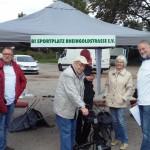 Die BI zum Erhalt des Sportplatzes Rheingodstraße sammelte Unterschriften