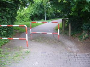 Durchlass zwischen Feldbergstraße und Hans-Sachs-Ring VORHER